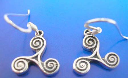 celtic triangle sterling silver earring