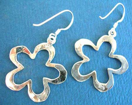 nugget face outline flower shape 925.thai sterling silver earring on french wire