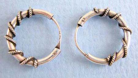 genius sterling silver ear hoop earring with rope cover around
