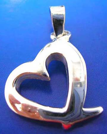 central heart love pendant made of 925. sterling silver