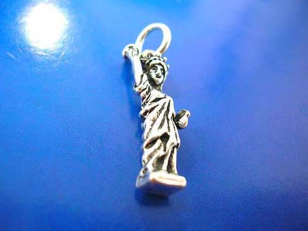 the statue of liberty design sterling silver 925 thailand made pendant