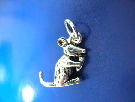 rabbit eatting carrot thai silver pendant sterling 925